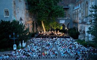 פסטיבל מוזיקה קלאסית בטירת ויידהוניאד - Vajdahunyadvár Castle